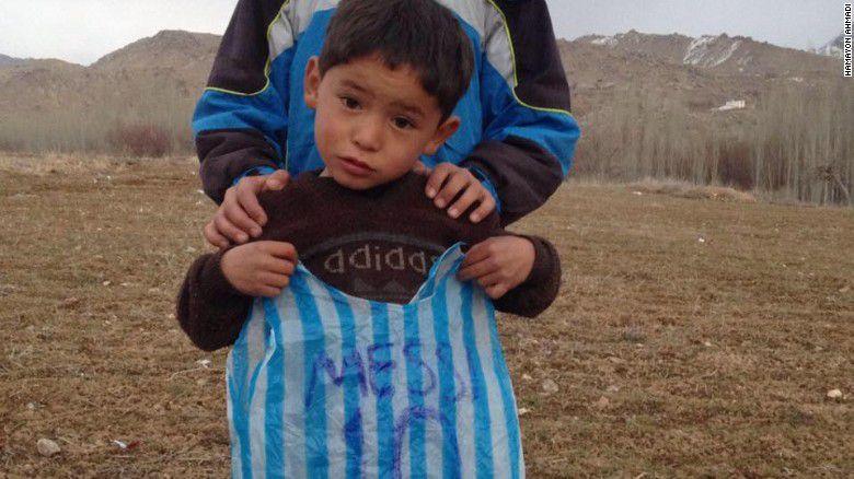 niño afgano fan de messi
